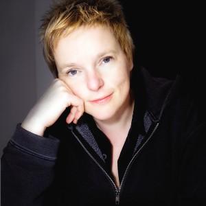 Rozalie Hirs (©2008 Richard Ayres)