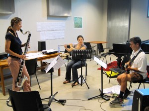 Repetitie met Fie Schouten, Shanna Gutierrez, Wiek Hijmans op 14 augustus 2013 (foto: Rozalie Hirs)