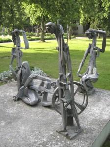 Sculptures of Vytautas Kazimieras Jonynas, Poezijos Pavasaris/ Poetry Spring 2013, Palangas, June 1, 2013 (foto: Rozalie Hirs)