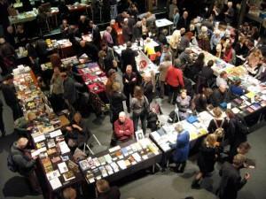 Beurs van Kleine Uitgevers, Amsterdam, 2013 (met Studio 3005 van Marc Vleugels, uitgever van de bibliofile bundel 'Curvices and Musicles' door Rozalie Hirs)