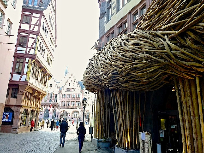 open books: teil der bewegung, frankfurt